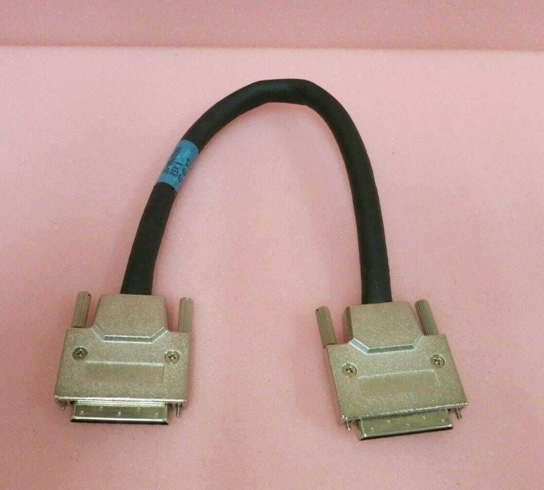 Sun Microsystems 35-00000301 VHDCI-VHDCI SCSI Cable Black 0.3M 12