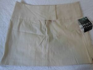 Tracy-Evans-NWT-Beige-Textured-Wide-waistband-flat-front-skirt-Juniors-Size-13