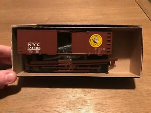 New-York-Central-NYC-Roundhouse-40-039-Boxcar-173888-Kit