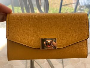 3315d7265379 Image is loading MICHAEL-KORS-CASSIE-LARGE-TRIFOLD-PEBBLED-LEATHER-WALLET-