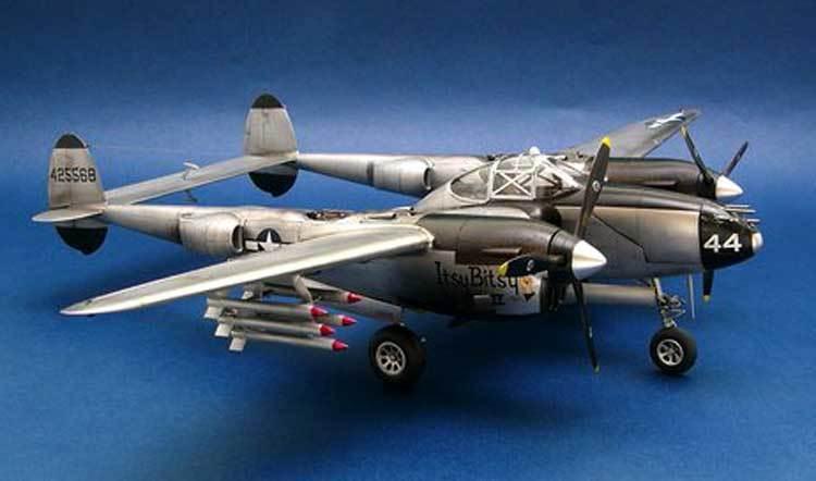 Trumpeter - Lockheed P-38 L-5-LO Fulmine Modello Kit 1 3 2 Nuovo Conf. Orig.