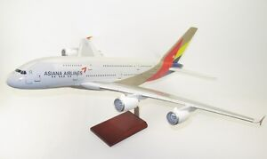 Asiana-Airlines-Airbus-A380-800-HL7625-Desk-Top-Display-1-100-Model-AV-Airplane