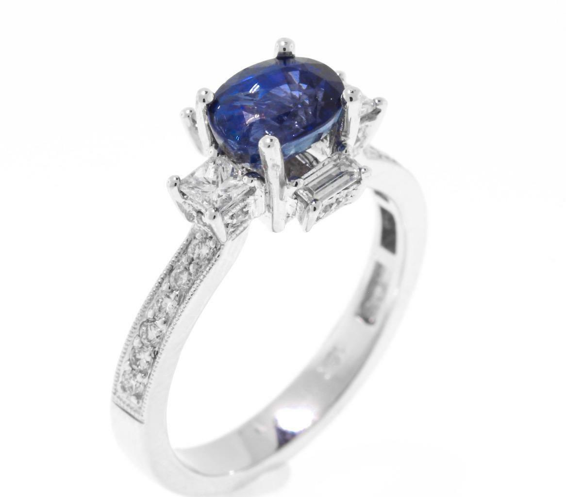 Natural bluee Sapphire Diamond Ring 2.48ct 18k White gold