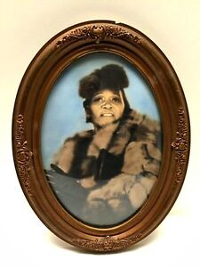 Antique-Oval-Victorian-Picture-Frame-Gesso-Convex-Glass-African-American-Lady