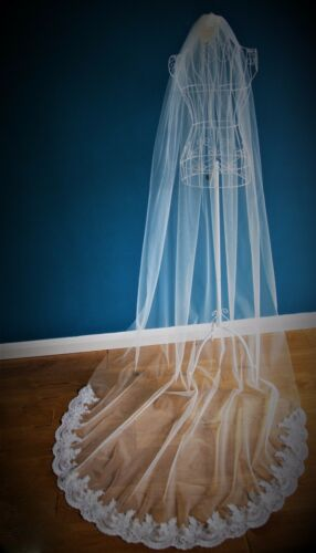 Wedding Veil *Cathedral Length*1 Tier*Off white// Ivory*Wide Corded Lace*