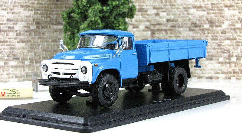 Scale model truck 1 43 ZIL-130 on-Board bluee