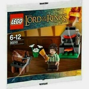 Lego-Set-30210-The-Lord-of-the-Rings-Frodo-Minifigure-Cooking-Corner-Polybag