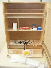 alter Arztschrank, Apothekerschrank, Wandschrank Arbeitsschutz + Inhalt