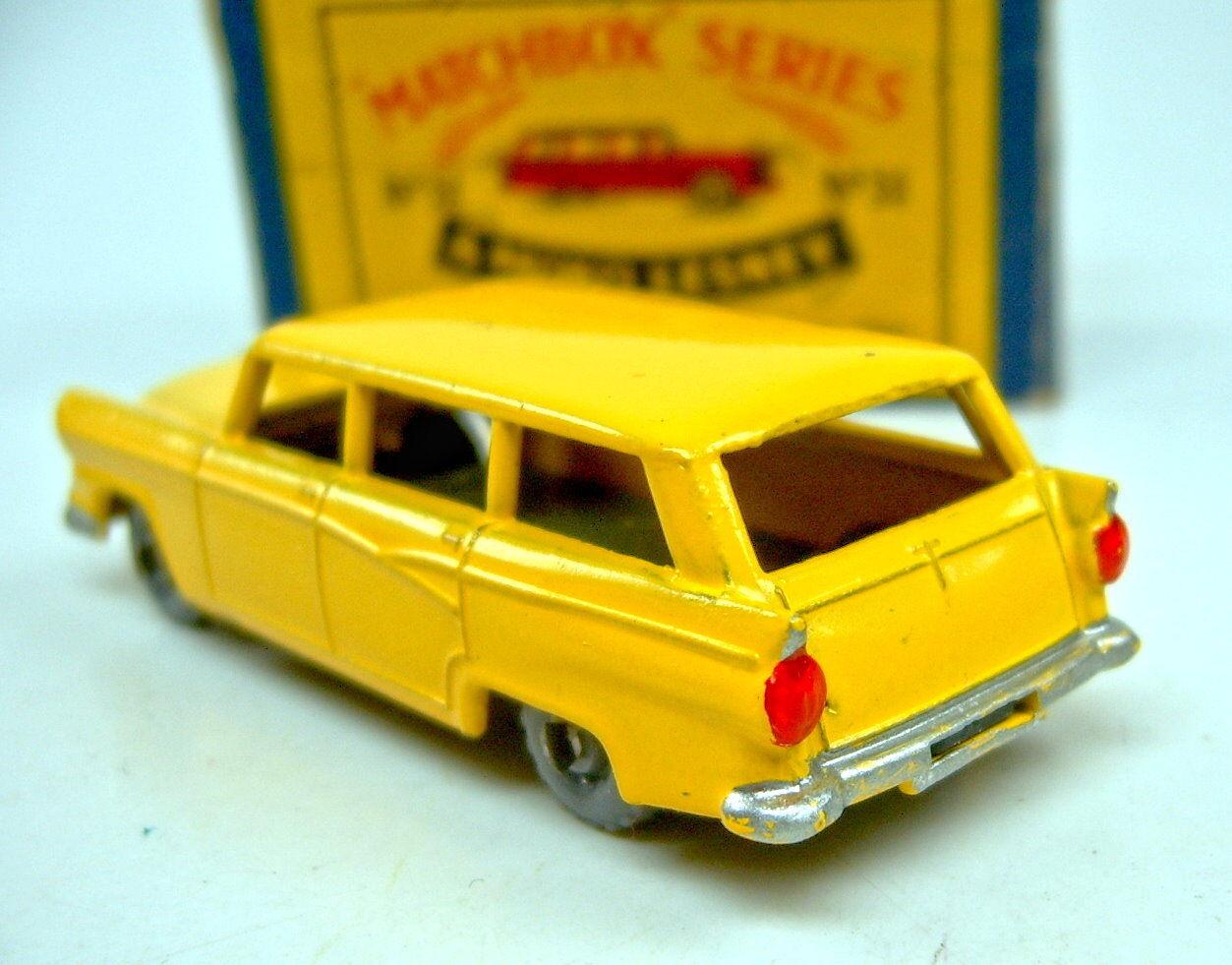 Matchbox RW 31A Ford Station Wagon yellow Plastikräder top top top in  B2  Box 666389