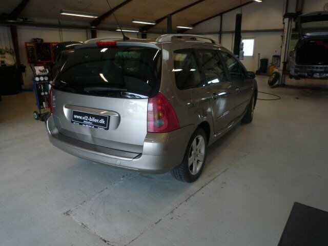 Peugeot 307 2,0 SW Benzin modelår 2004 km 296000 Brunmetal