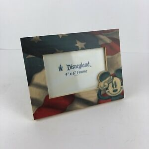 Wooden-Mickey-Mouse-USA-Flag-Picture-Frame-Disneyland-Resort-America