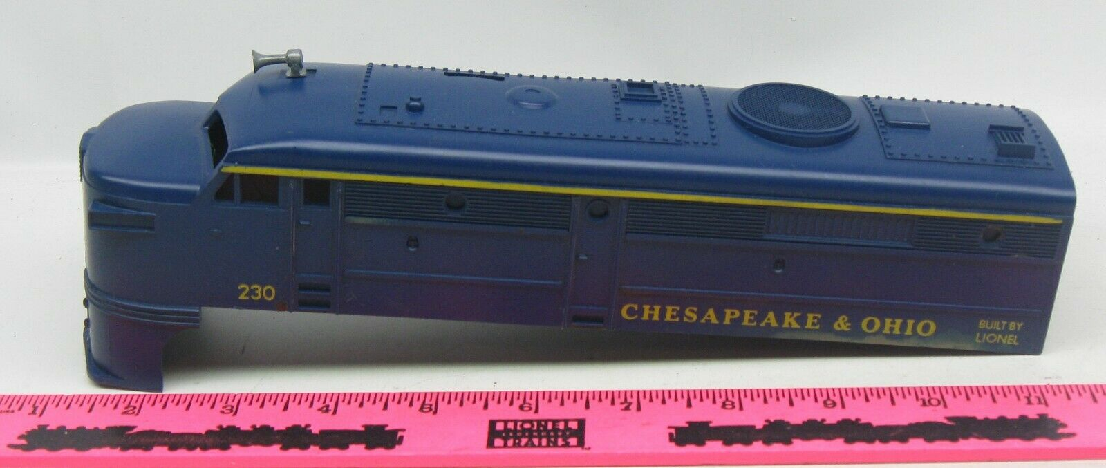 Lionel shell  230 Chesapeake & Ohio Diesel Shell