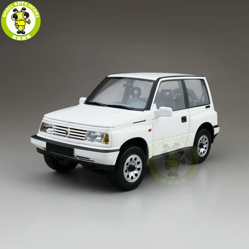 1 18 SUZUKI VITARA ESCUDO Early Version NEW Junior LHD Diecast Voiture Modèle Blanc