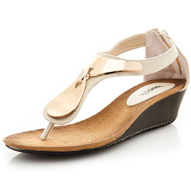 Bucco Capensis Demure Women's Thong Sandals Wedge Heel in Beige Size 5.5 US