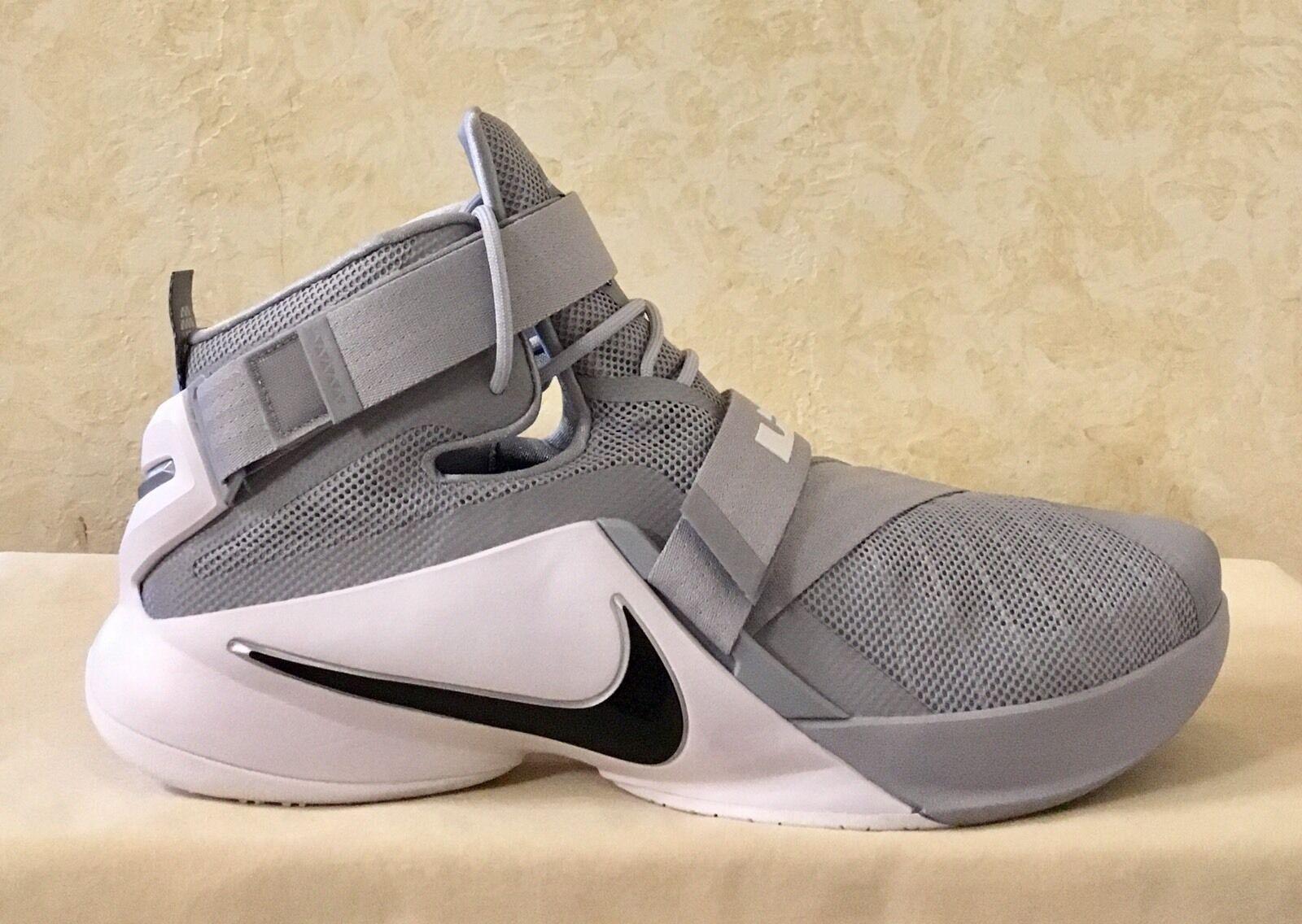 Gli uomini della nike, lebron james soldato ix tbc, scarpe da basket grigio / bianco 813264 001
