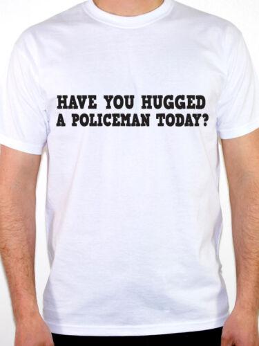 Drôle de police T-Shirt-Policier vous avez embrassé un drôle de police cadeau papa.
