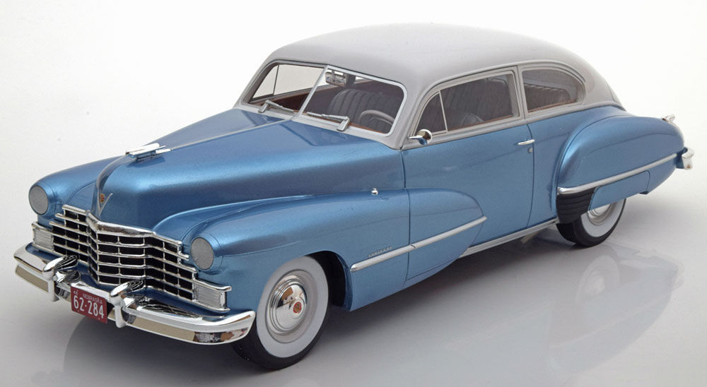 Cadillac 1946 Series 62 Club Coupé bluee and Light Grey by BOS 1.18 Scale
