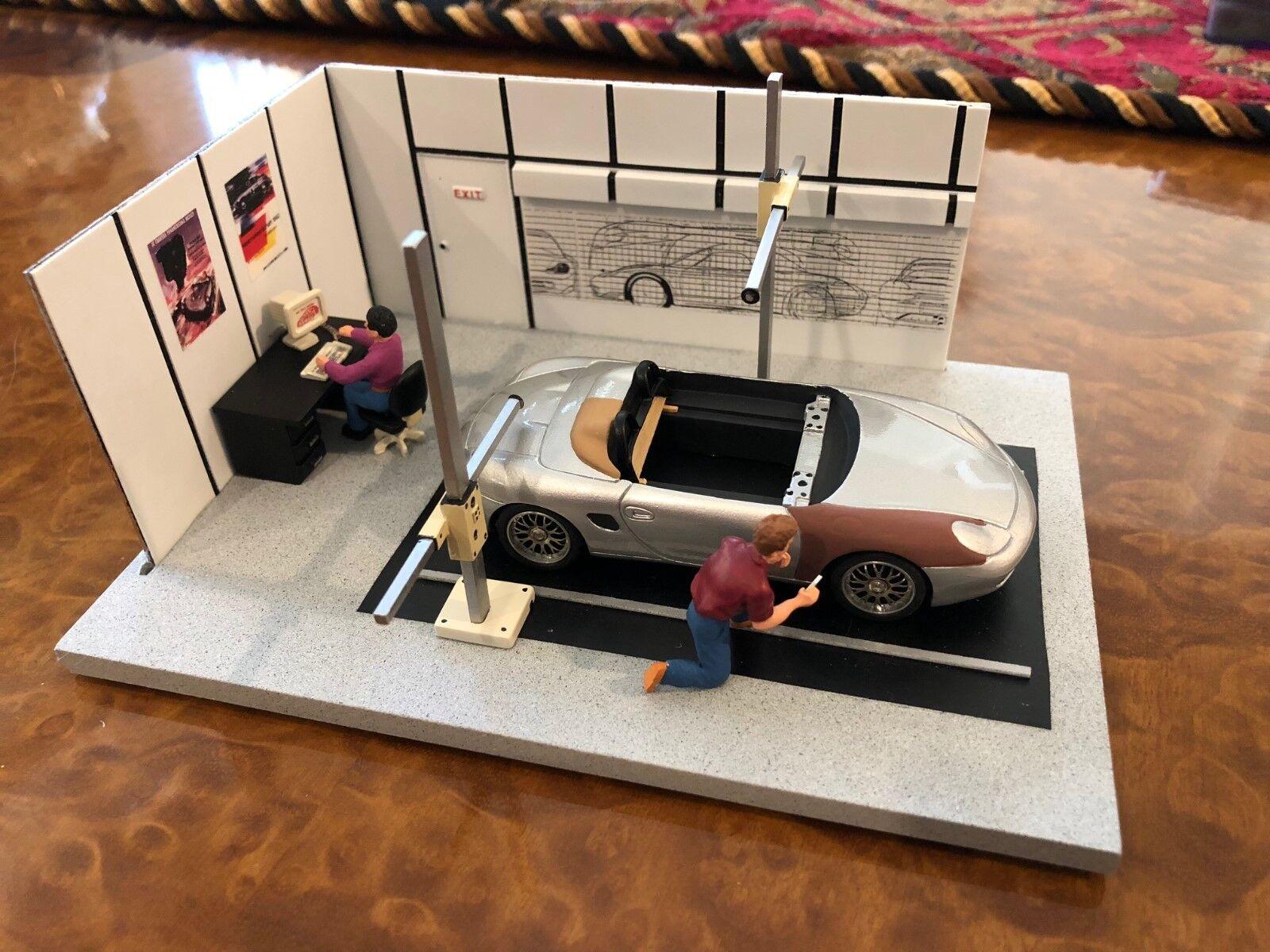 Exoto Studio Artistique Porsche Design Studio Weissach 1 43 Diorama