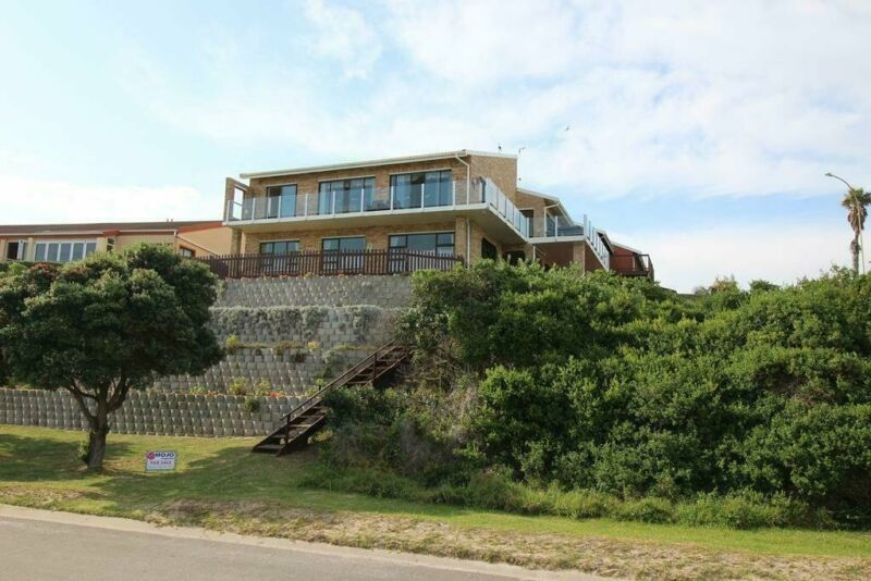 Aston Bay home with magnificent sea views
