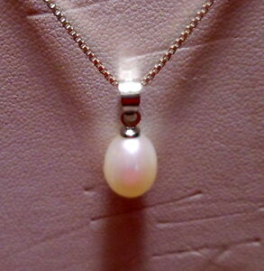 .925 STERLING SILVER SIGNED B BOX CHAIN & 18KT WHITE GF NATURAL PEARL PENDANT