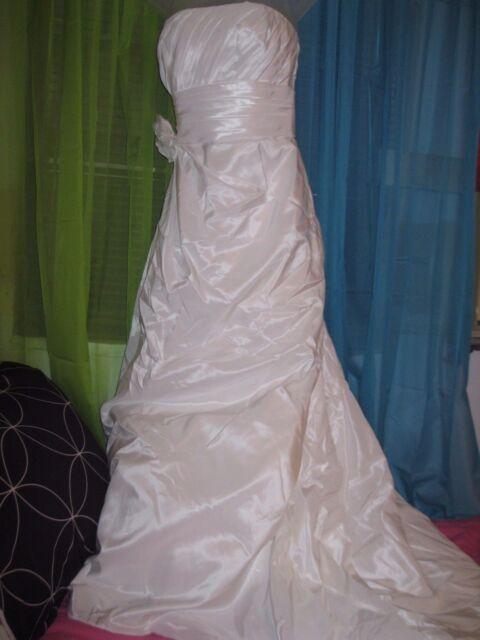3 lot davids bridal galina wedding dress 21 full long shawl wrap 3 lot davids bridal galina wedding dress 21 full long shawl wrap under skirt junglespirit Gallery