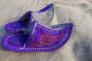 Filz-Hausschuhe-Handarbeit-aus-Kirgisien-Filzpantoffeln-Huettenschuh-felt-shoes