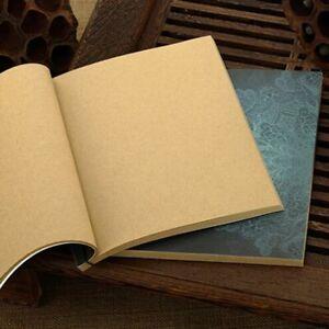 stil-handarbeit-leere-seite-draht-gebundenen-notizbuch-kraftpapier-skizzen