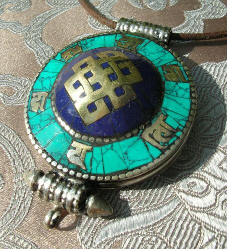 Tolles Tibet AMULETT GAU aus NEPAL Endloser Knoten mit Türkis /& Lapislazuli