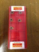 Sandvik MB-07G070-00-10L CoroCut MB Carbide Grooving Insert, GC1025 (5 Pack)