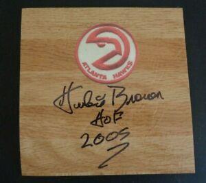 HUBIE BROWN Atlanta HAWKS Basketball Signed Vinyl Floor Tile 6 x 6 Hall of Fame
