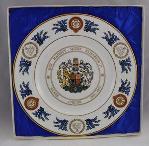 Edition-Limitee-Coalport-Reine-Elizabeth-II-Argente-Jubile-Commemorative-Plaque