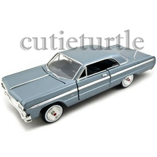 Motormax 1964 Chevrolet Impala 1:24 Diecast Model Car 74259D Light Blue