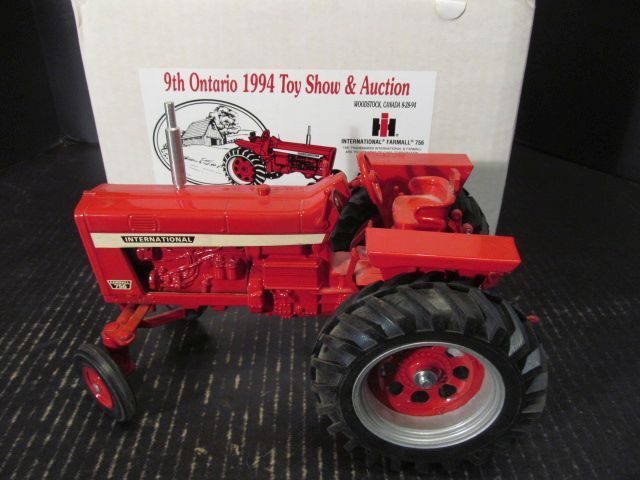 Scale Models IH Farmall 756 WF Tractor 1994 Ontario Toy Show 1 16 FB-1642