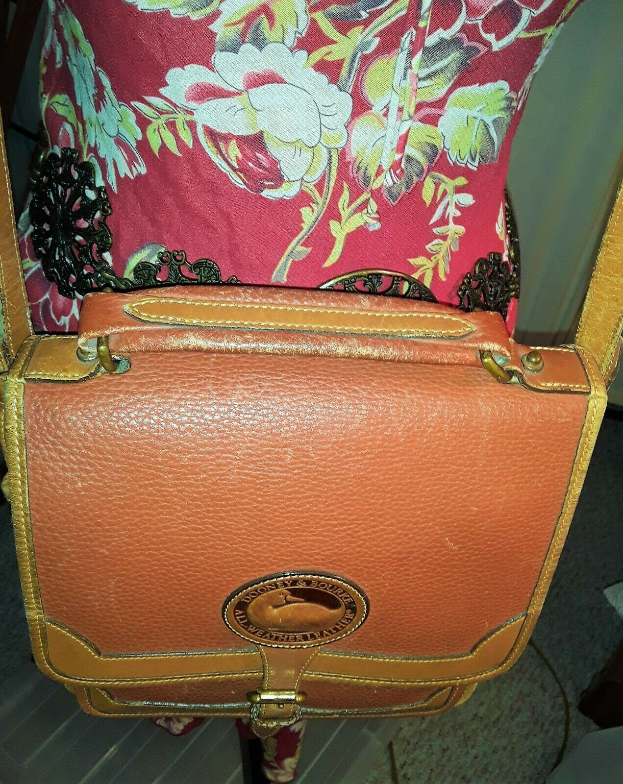 Vintage Dooney & Bourke Messenger Crossbody Purse… - image 4