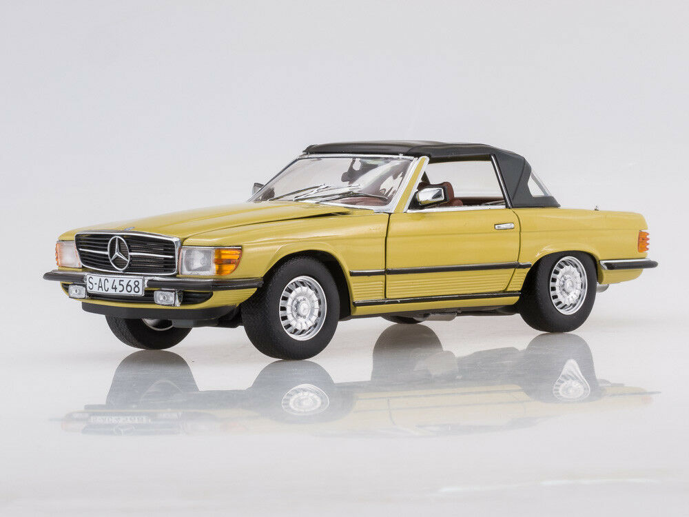 Scale model 1 18 1977 Mercedes-Benz 350 SL Closed Congreenible (Mimosa Yellow)