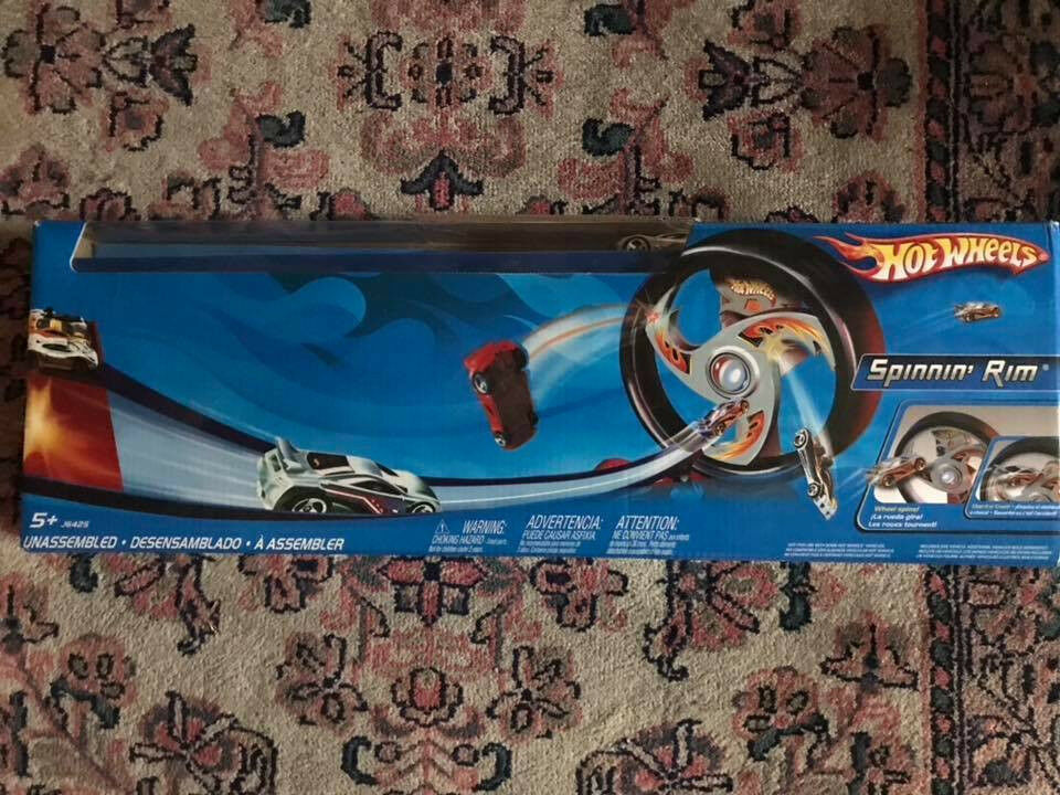 HOT WHEELS SPINNING RIM Play Set Multi Car Launcher Includes 1 Hot Wheel Car
