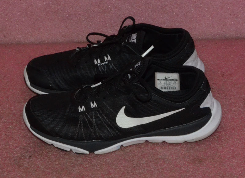Nike Flywire Running shoes Size 9.