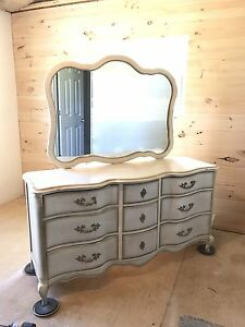 French Provincial Dresser Amp Mirror 9 Drawer Very Good