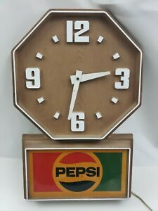 Pepsi-Clock-Plastic-Wood-Grain-Vintage-Impact-International-USA-Made-Cola-FLAW
