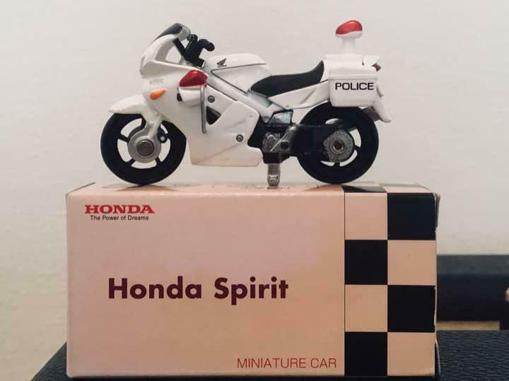 TOMY Tomica VFR Police Motercycle Honda Commtec Rare From JAPAN