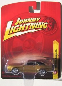1//64 JOHNNY LIGHTNING MUSCLE SERIES 4 3B 1969 CHEVY CAMARO RS//SS