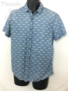 Forever-21-Men-039-s-Blue-Fitted-SS-Button-Up-Shirt-with-SHARK-PRINT-Size-Medium