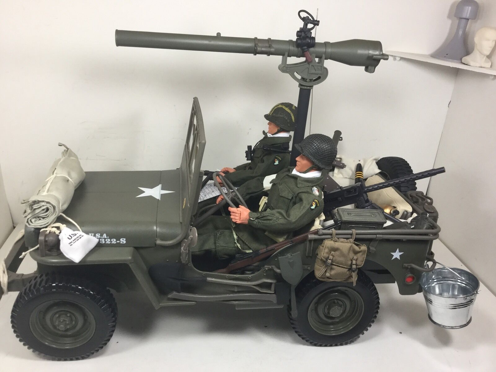 1 6 US 101ST AIRBORNE PARATROOPERS JEEP+75mmA T GUN+2 FIGURES WW2 DRAGON BBI DID