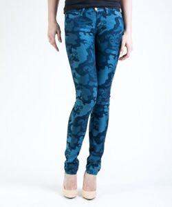 Jeans-donna-Wrangler-blu-camouflage-blu-skinny-leg-mod-W25FHO48K