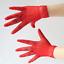 Gants-courts-rouges-en-resille-chainettes-sur-le-dos-de-la-main-pinup-retro-glam miniature 2