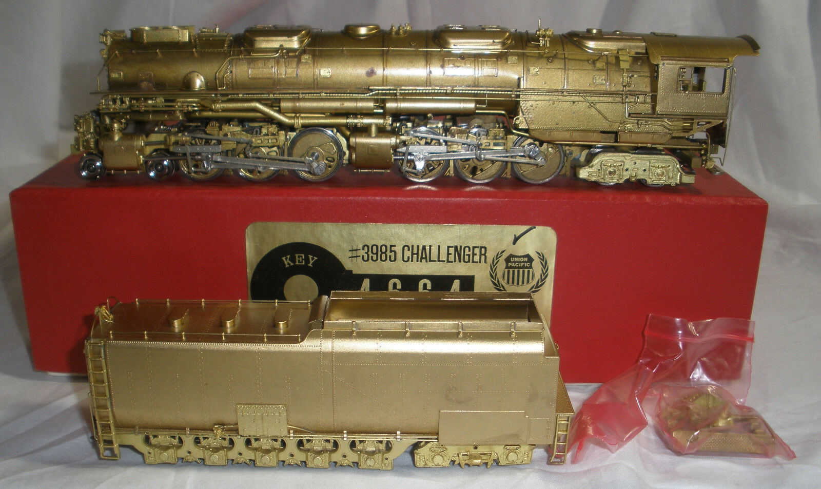 Union Pacific 4-6-6-4 Challanger Key Imports w box nice condition