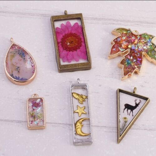 10Pc Assorted Geometric Hollow Pressed Flower Frame Pendant Resin Jewelry Making