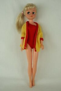 Otto-Simon-FLEUR-blonde-doll-in-BEACH-outfit-1209-Dutch-Sindy-80-039-s