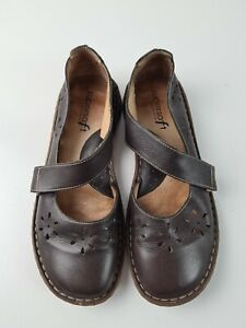Diana Ferrari Brown Leather D'Orsay Mary Jane Punch Flat Shoe Women's Size 5.5US