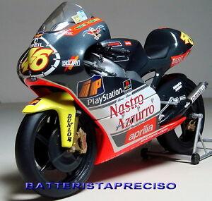 MINICHAMPS VALENTINO ROSSI 1/12 APRILIA RS 250 1999 WORLD CHAMPION
